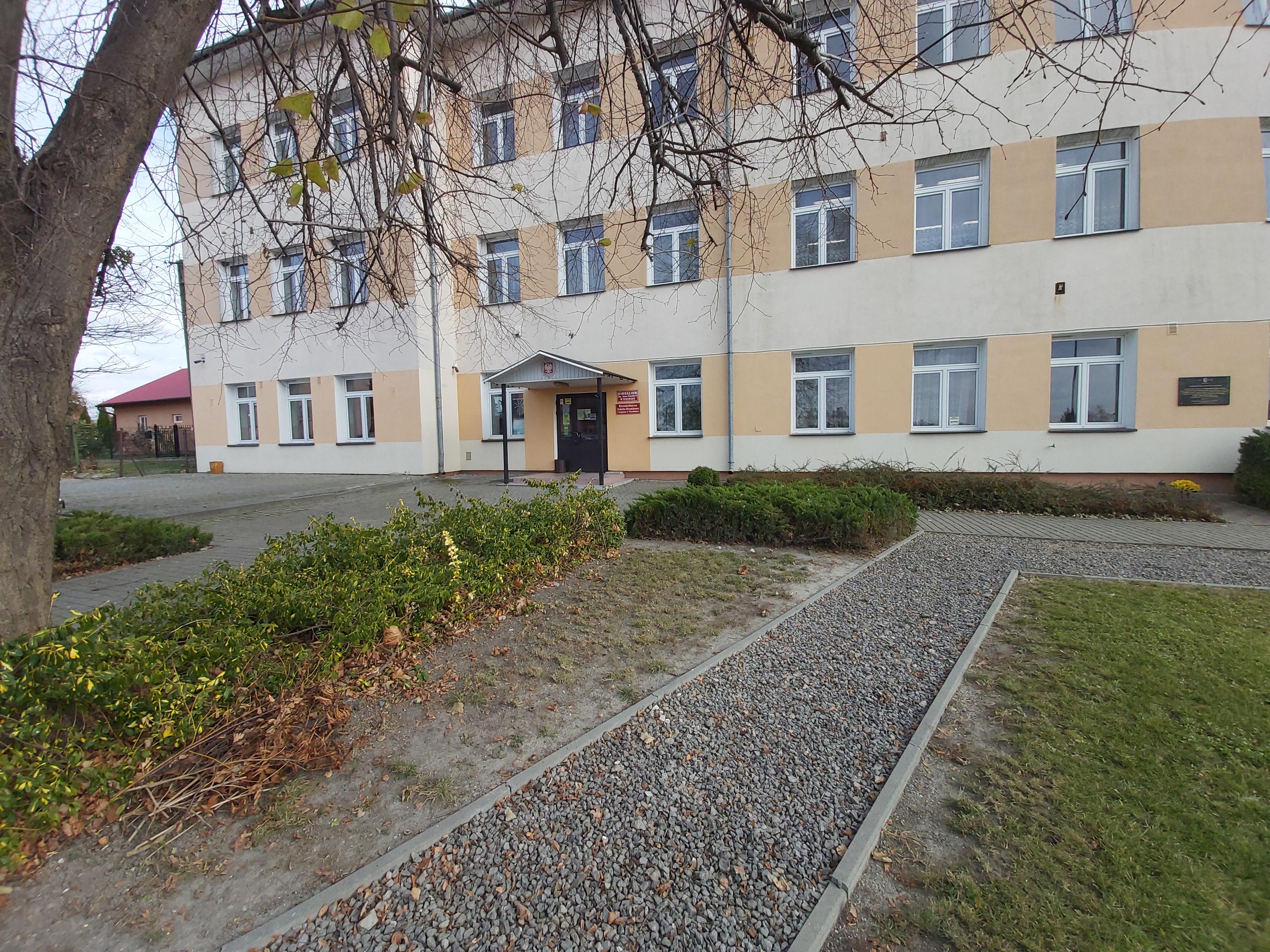Widok budynku szkoły